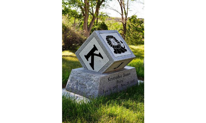 Custom Design Headstone Monument 3